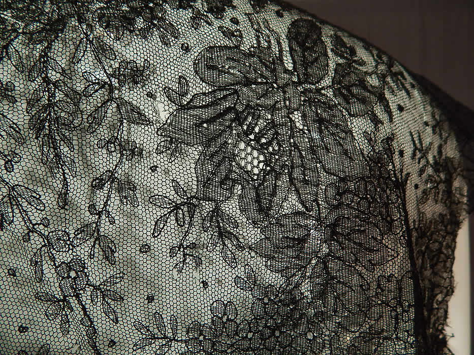 Victorian Antique Black Chantilly Lace Shawl Sleeveless Vest Jacket Top