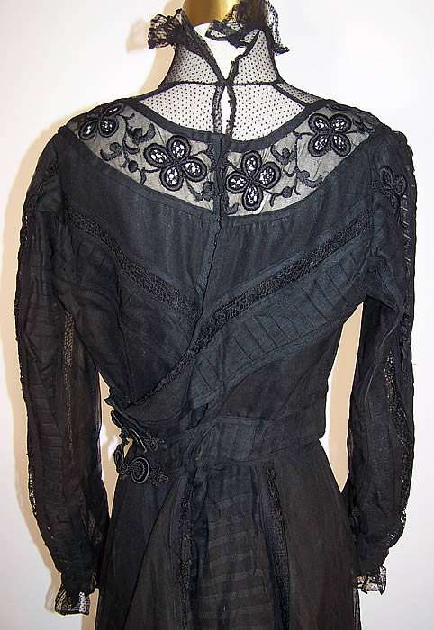 Victorian Sheer Black Weave Pleated Mourning Gown Dress Bodice Skirt Train back close up.