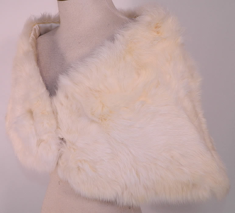 b8f547c31 Vintage White Rabbit Fur Shrug Stole Shawl Winter Wrap Glam Evening Cape