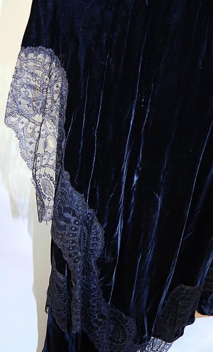 Vintage Black Silk Velvet Chantilly Lace Bias Cut Evening