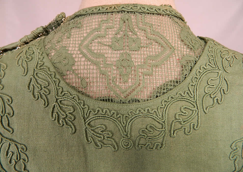 Edwardian Sage Green Linen Soutache Embroidered Grape Leaf Dress. It is in good condition and looks to have never been worn, with only a few small faint age spots yellowing discoloration from storage.