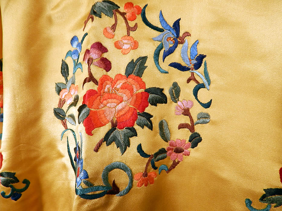 Vintage Bai hua Chinese Yellow Silk Rayon Embroidered Peony Flower Robe Coat