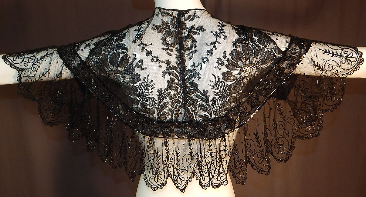 Victorian Black Chantilly Lace Jet Beaded Shawl Collar Fichu Pelerine Cape
