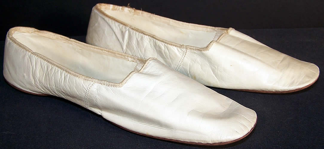 Victorian White Kid Leather Straight Sole Wedding Shoes Front View