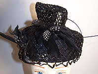 1940s Vintage Mildred Black Straw Bird Feather Toque Hat