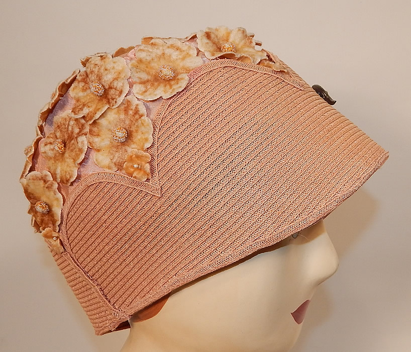 Vintage Peachy Pink Woven Straw Velvet Flower Applique Flapper Cloche Hat