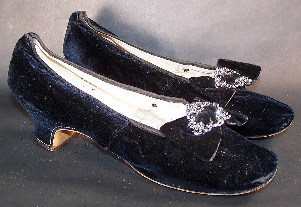 Hellstern Paris Label Victorian Velvet Steel Cut Buckle Straight Sole Shoes  Side View.