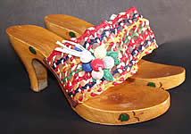 60s Vintage Raffia Straw Carved Wood Painted Flower Sandal Shoes Mules