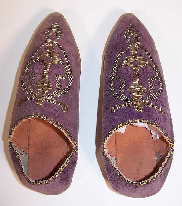 Vintage Moroccon Childs Cherbil Gold Embroidery Purple Velvet Slipper Shoes