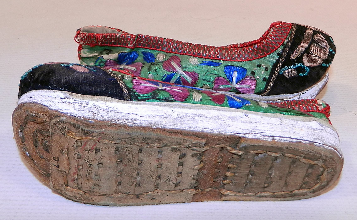 Chinese Silk Slippers With Embroidery Designs