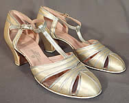 1930s Vintage C. Crawford Hollidge Shoe Salon Cream Silk Satin Silver Leather T-Straps