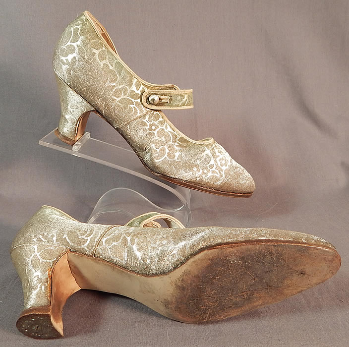 Vintage Traveler Shoe Art Deco Silver Lamé Lame Brocade Mary Jane Button Strap Shoes
