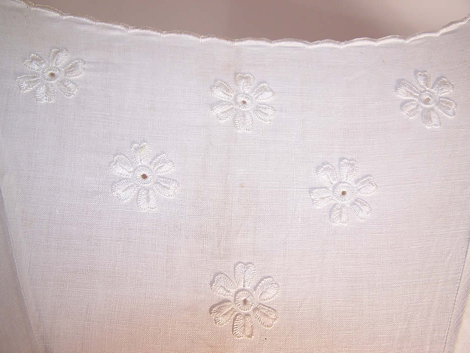 Edwardian Embroidered Floral White Linen Parasol Bamboo Cane Handle Close up.