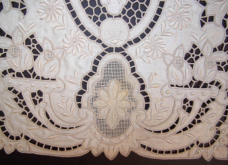 Vintage Madeira Embroidered Linen Lace Cutwork Runner