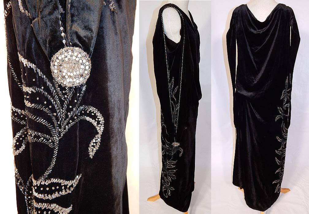 9718fa32b4ac Vintage Art Deco Black Velvet Silver Rhinestone Beaded Flapper Dress  Evening Gown This fabulous flapper dress